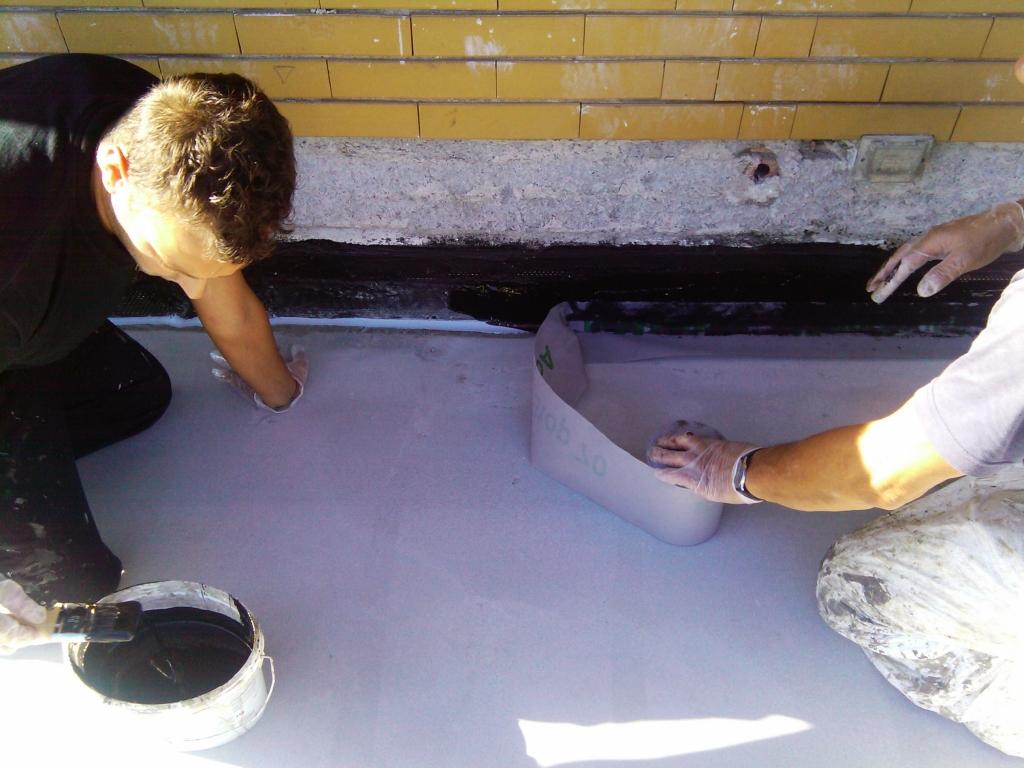 Impermeabilizzazioni reggio emilia parma posa guaina for Guaina liquida mapei