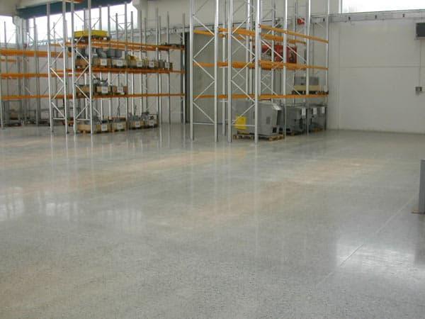 Pavimenti cemento levigato reggio emilia parma levigatura pavimento casa showroom - Pavimenti in cemento per interni ...