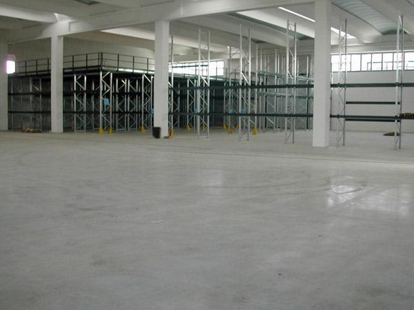 Pavimento-in-cemento-centri-commerciali-Cadelbosco-di-sopra